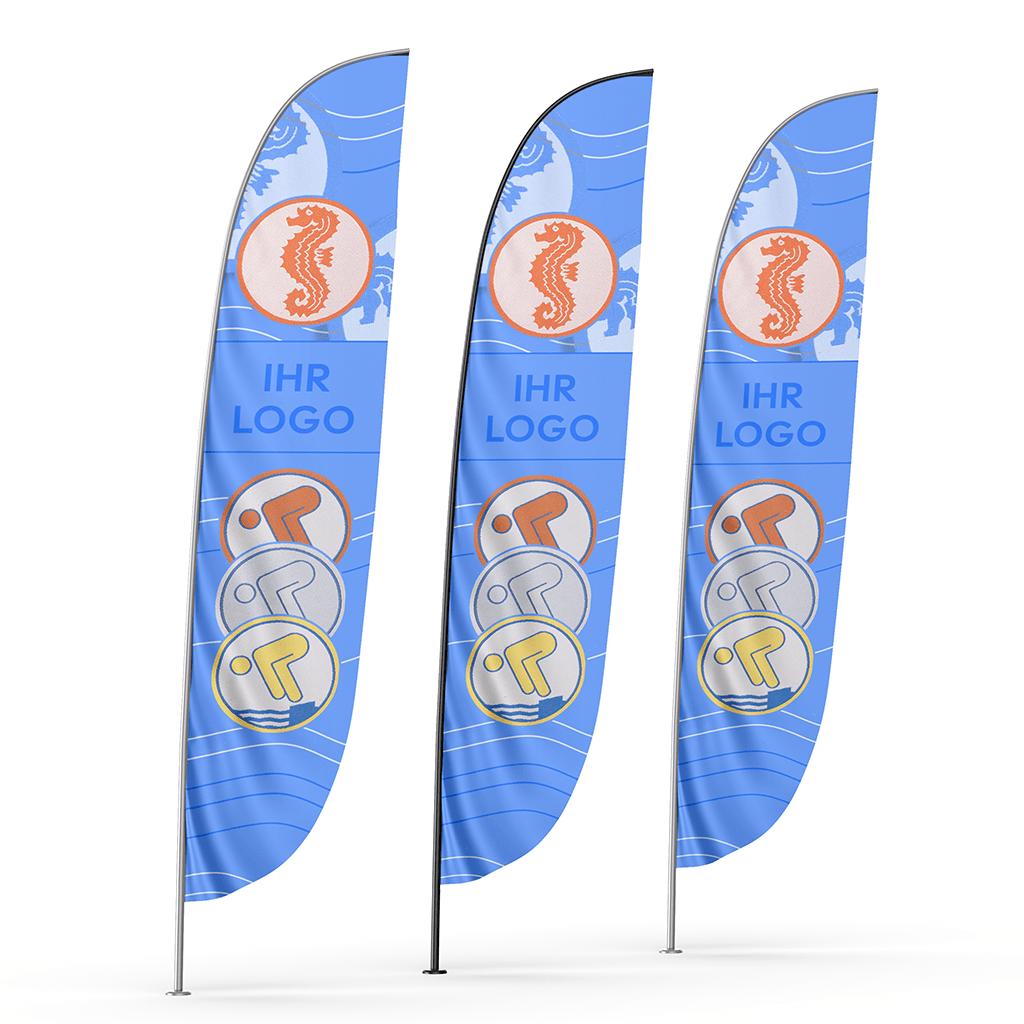Flaggen mit den vier Schwimmabzeichen